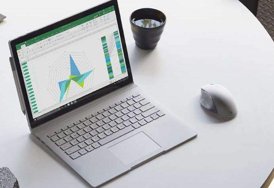 Microsoft Surface Book 2- C - 15 inch Laptop