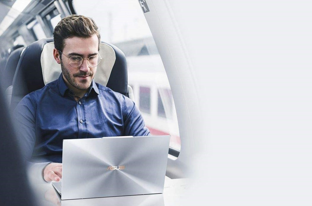 ASUS ZenBook S13 UX392FN - A - 13 inch Laptop